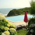 Superbe piscine , emplacement idéal face à l'océan