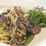 Pepper steak with mushrooms