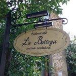 Eingang zur Bottega