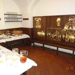 Sala do café da manhã e do bar à noite
