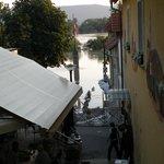 il Danubio in piena ha invaso la banchina