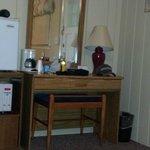 desk/mini fridge/microwave