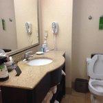 typical Hampton Inn bathroom
