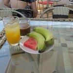 Fruits & juice for breakie
