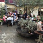 Amici Courtyard - Just cross the river in Kennington