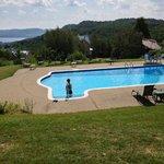 piscine (petite montée qui vaut le point de vue)