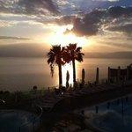 l'alba sul Lago di Tiberiade vista dal balcone dell'Hotel