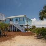 Beachcomber Cottages--private parking and direct beach access