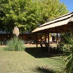 Jardín con quincho