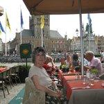 la vista dal ristorante sulla piazza