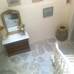 Hallway Omiros