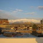 Foto da cordilheira (linda)  tirada do terraço do hotel ao entardecer.