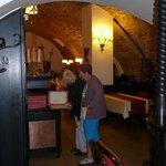 kelderrestaurant van het hotel met (betaalbare) Tsjechische specialiteiten