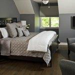 The Moonlight Serenade Room - The Painted Turtle Inn