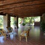 Il nostro bellissimo portico incastonato nel verde del Parco Nazionale del Cilento.