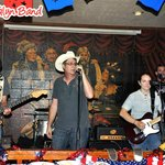 Phillip Glyn Band and others play live music 5 nights weekly