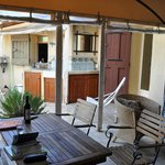 La Zidane, covered outdoor terrace and outdoor kitchen