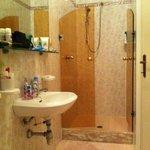 bagno camera 106