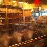 Cella frigorifera dove conservano la carne, all'ingresso del ristorante, vista strada