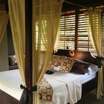 Honeymoon suites are extra-private, hidden away in the lush tropical greenery of the beautiful