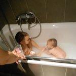 Bañera muy cómoda como se puede ver