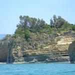 vom Bott aus entlang der Küste Richtung Sidari