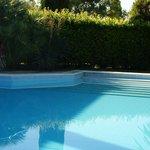 Ruim en diep zwembad