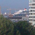 Blick auf den Hafen (hier die Queen Elisabeth II)