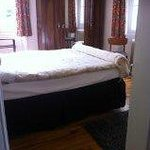 lower level, ensuite double bedroom