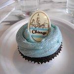 Blue Chicago cupcake