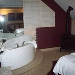Beautiful Jacuzzi Suite