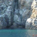 Grotte au pied de la Galite