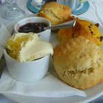 Cream tea (scones)