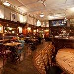 Nobles Cafe Bar & Restaurant Foto