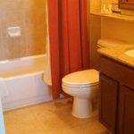 Very clean bathroom.