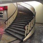 HOTEL LOBBY ACCESS TO MEZZANINE