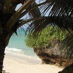 Vy mot stranden från strandrestaurangen