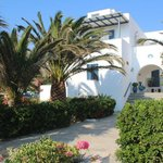 Entree de Corlli Beach Apartments