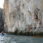Deep Water Solo at the local islands: Test your limits with a day of pure adrenaline!