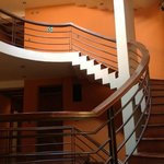 Escadas para os Quartos, tirada do hall de entrada.