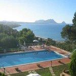 terrazza con piscina vista mare