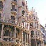 Los edificios Casasayas y Pensión Menorquina.