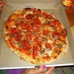 """""""big dig"""" pizza"""