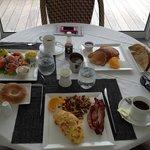 Wonderful breakfast (get the toast and jam!)