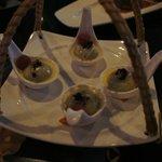 Warm sweet rice dumplings (dessert)