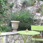 notre petit salon de jardin vert
