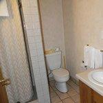 Oldish bathroom