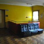 sala de estar de arriba- Salida de las habitaciones