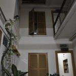 Heeren Inn: Inner courtyard