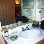 Nice clean and spacious bathroom